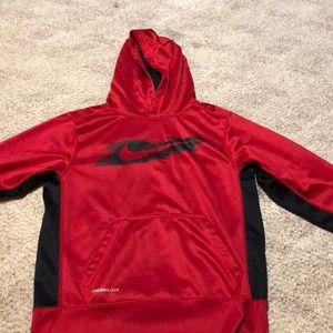 Boys Nike hoodie size medium.  Therma fit.